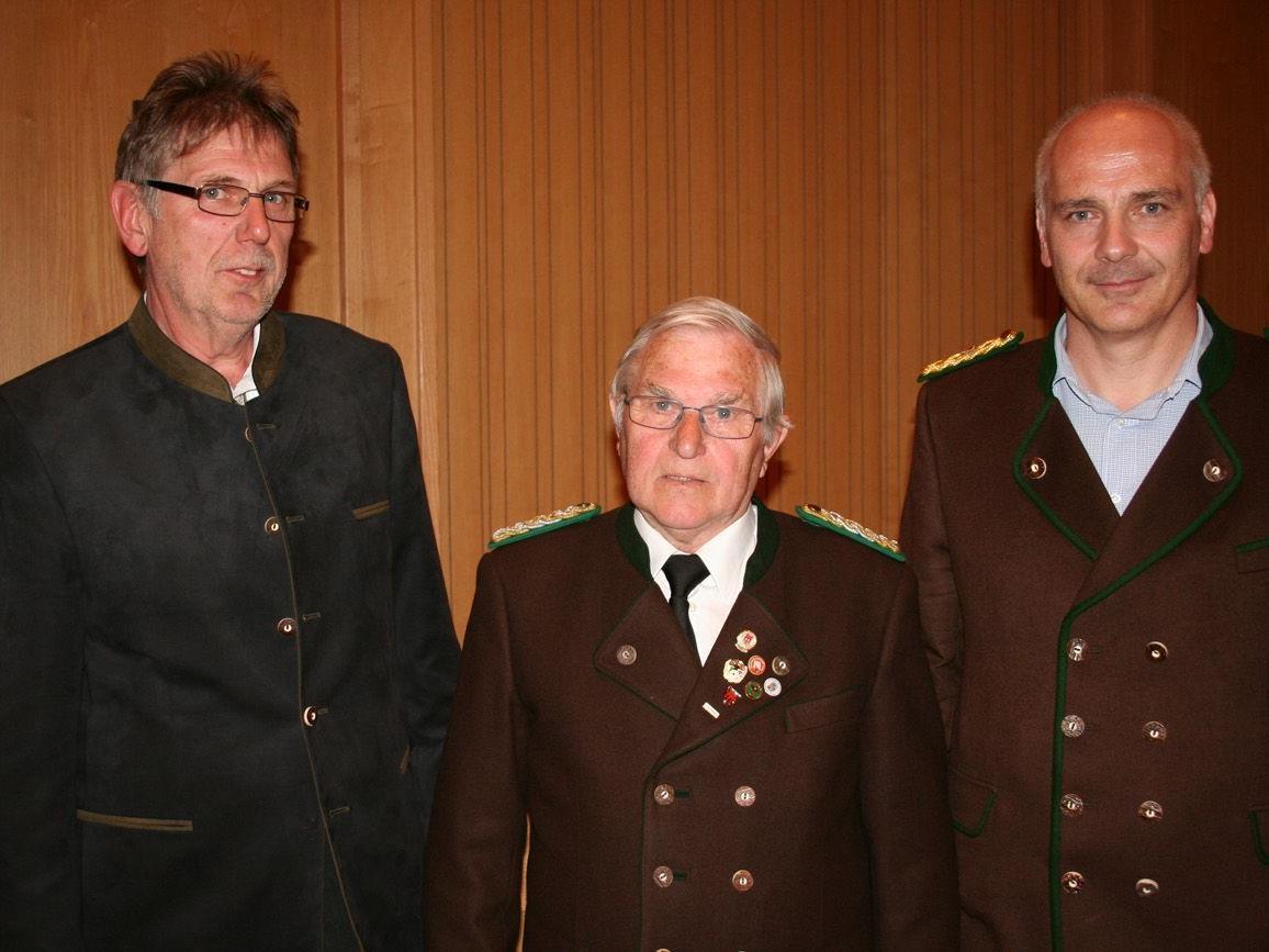 Vize-Bgm. Herbert Greußing, Landesoberschützenmeister Andreas Germann und Oberschützenmeister Ludwig Latzer.