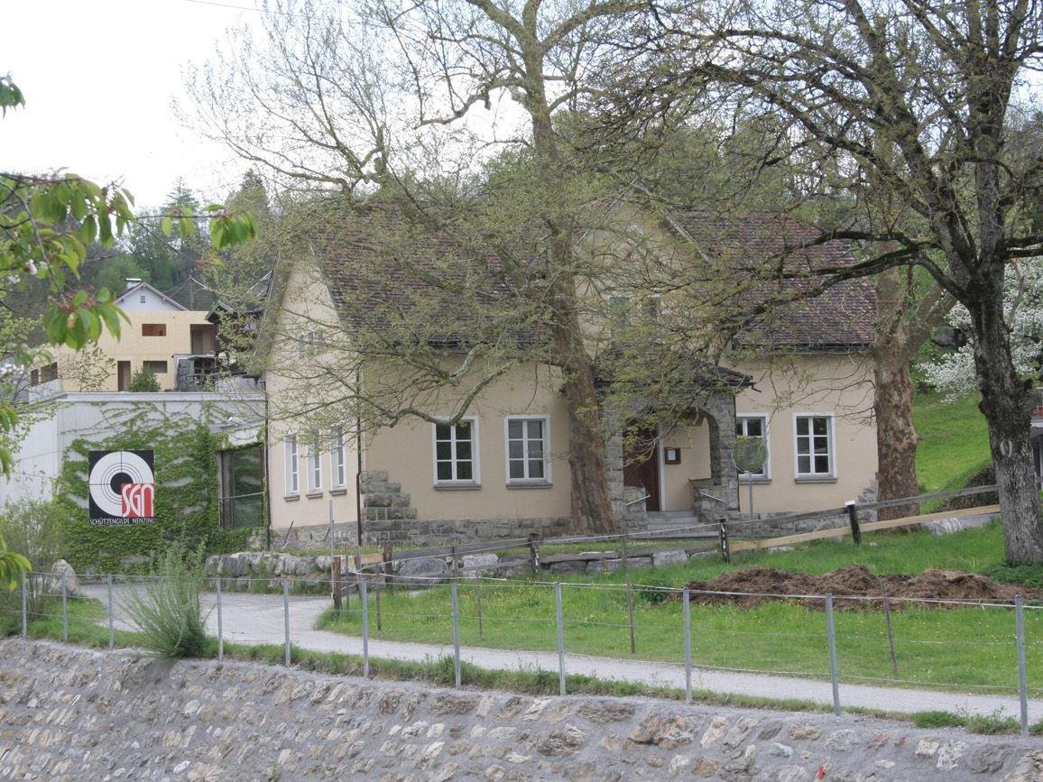 Das Nenzinger Schützenhaus feiert sein 100-jähriges Bestehen.
