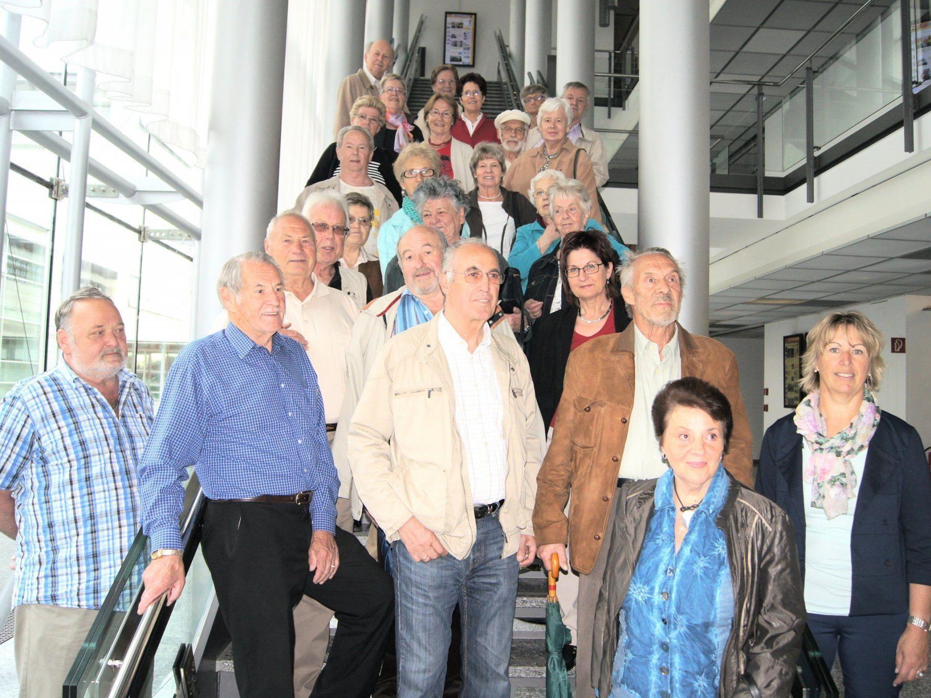 Eine Gruppe der Dornbirner Senioren beim Besuch im Medienhaus.