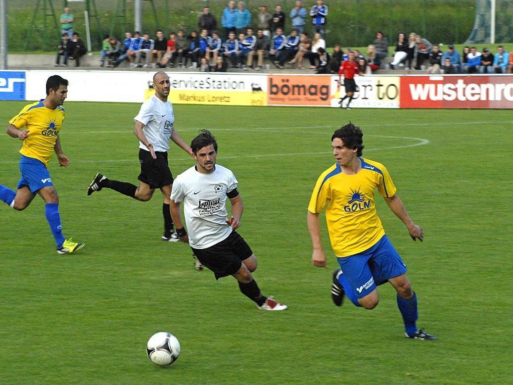 Der Golm FC Schruns spielte Dienstagabend zu Hause gegen den FC Schlins.