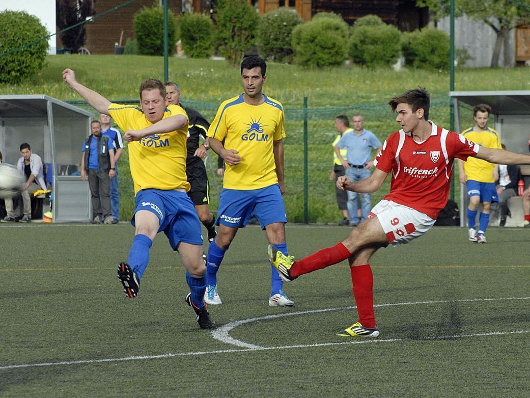 Im Fußballstadion des Aktivpark Montafon unterlag Schruns den Schwarzachern 0:2 (0:1).