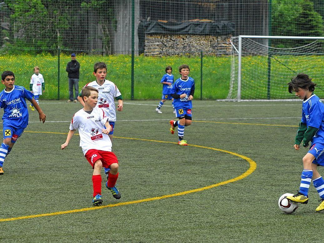 Im Rahmen der Frühjahrsmeisterschaft traf die SPG Montafon U12 auf die U12 des FC Schwarzach.