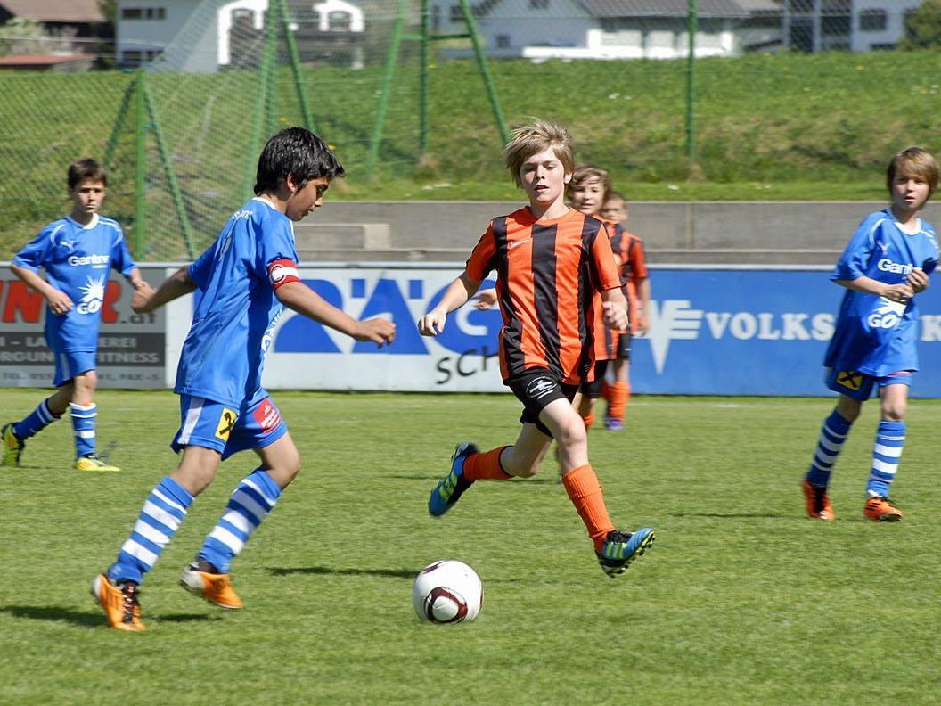 Die SPG Montafon U12 beim Spiel gegen ihre Alterskollegen vom FC Hörbranz am 28. April 2012.