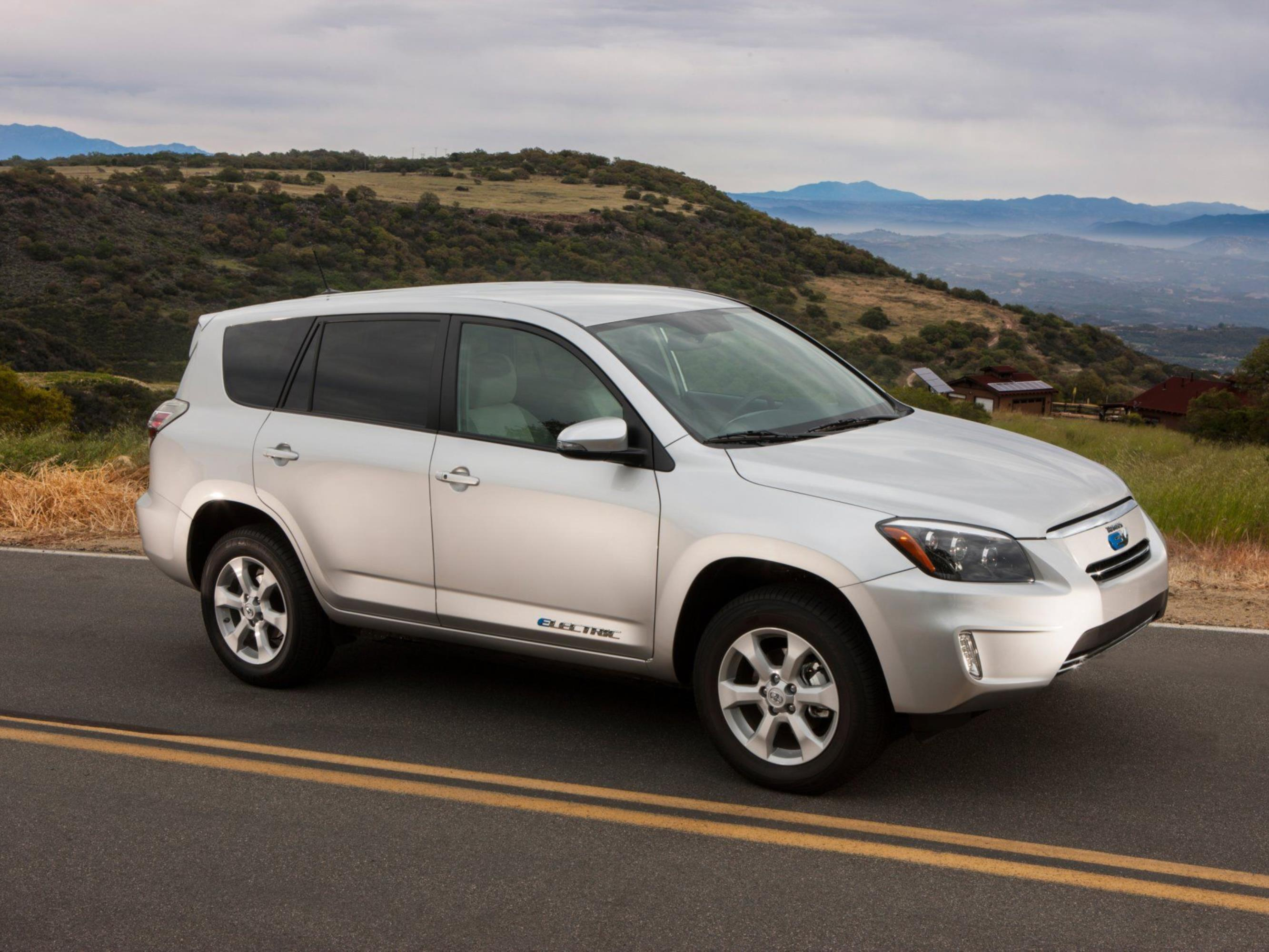Kompakt-SUV Toyota RAV4 mit Elektroantrieb startet in Kalifornien