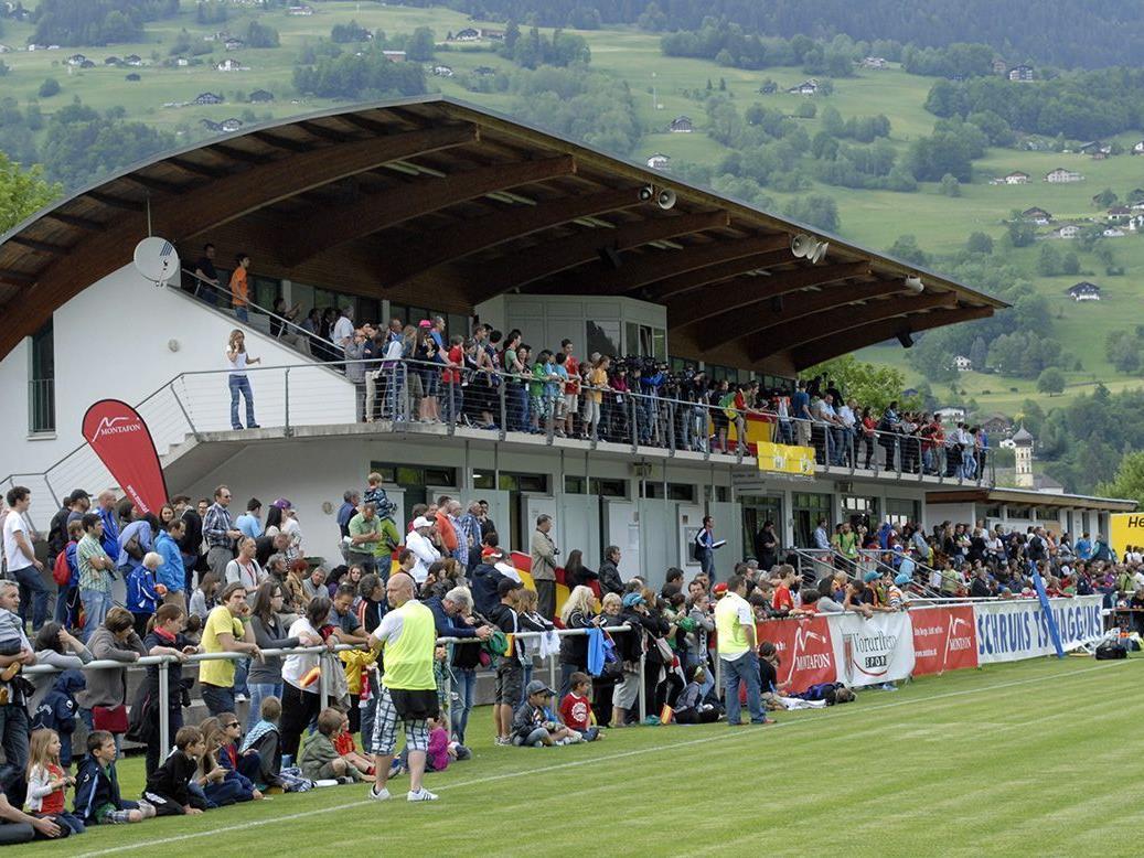 Großes Publikumsinteresse beim Training der Spanischen Fußball-Nationalmannschaft im Montafon.