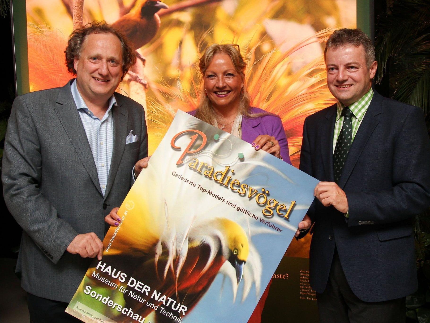 V.l.n.r.: Haus der Natur-Direktor Norbert Winding, Landesrätin Tina Widmann und Michael Apel.