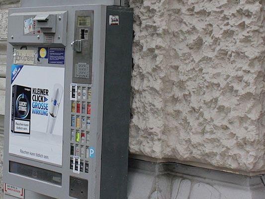 Der 18-Jährige scheiterte in Pressbaum beim Aufbrechen eines Zigarettenautomaten