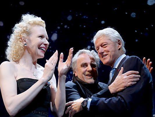 Auch Bill Clinton ließ sich das Red Ribbon Celebration Concert nicht entgehen.