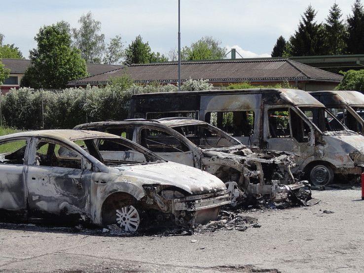 Der Brandanschlag soll von einer Gruppe von Offizieren verübt worden sein.