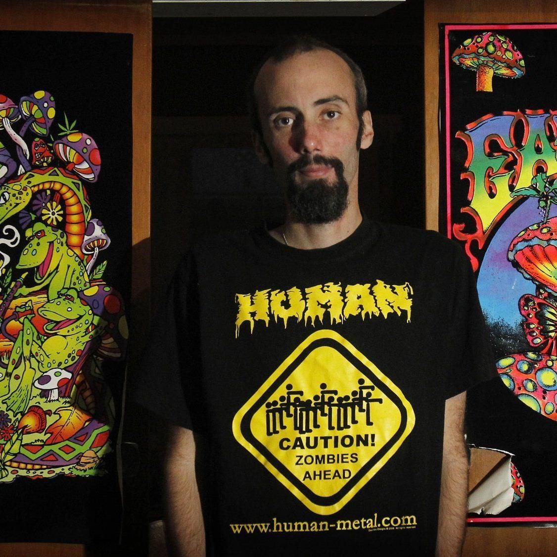 Dave Snell besuchte Konzerte, um das Umfeld der Headbanger zu studieren.