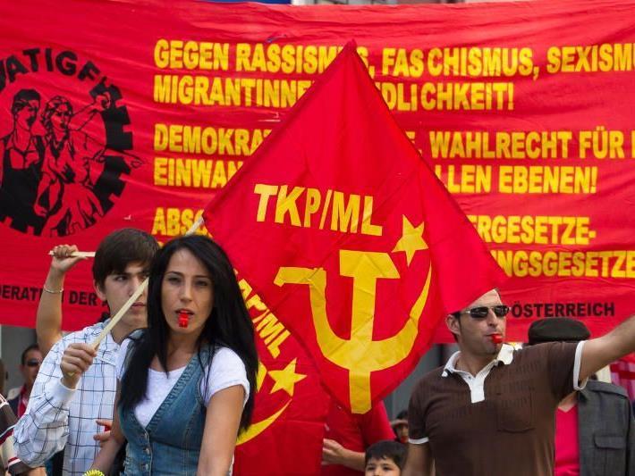 Waren dem Aufruf der Jungen SPÖ zur Demo am 1. Mai gefolgt.