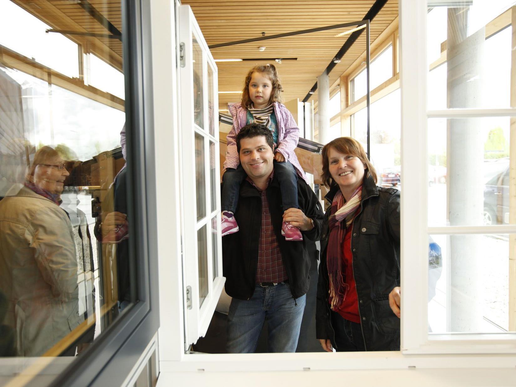 1.500 Besucher besichtigten am Tag der offenen Tür den neuen Standort der Tischlerei Feuerstein.