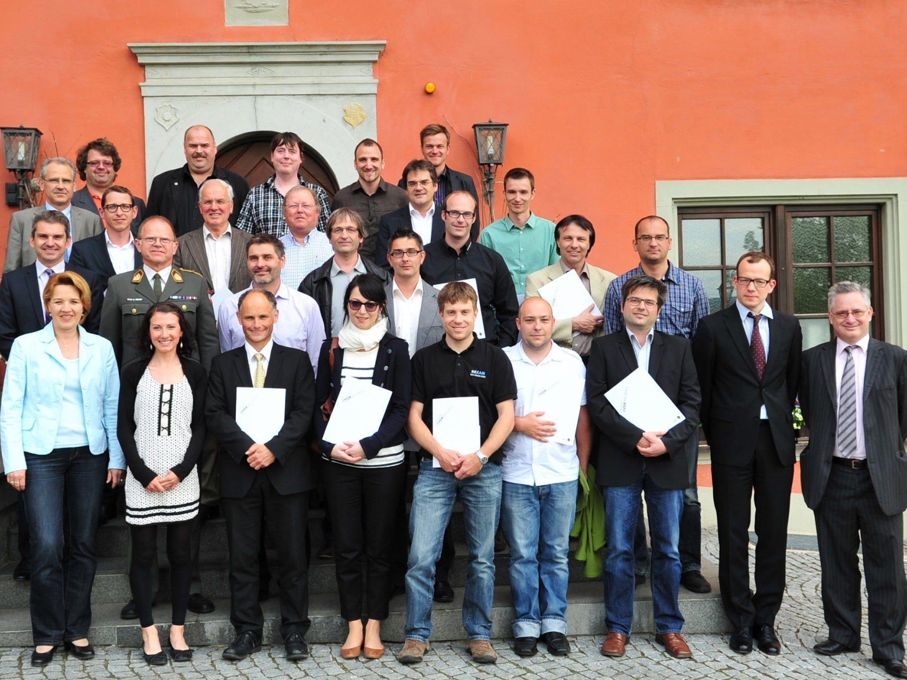 22 neue Energiemangager erhielten ihre Zeugnisse in Schloss Hofen.