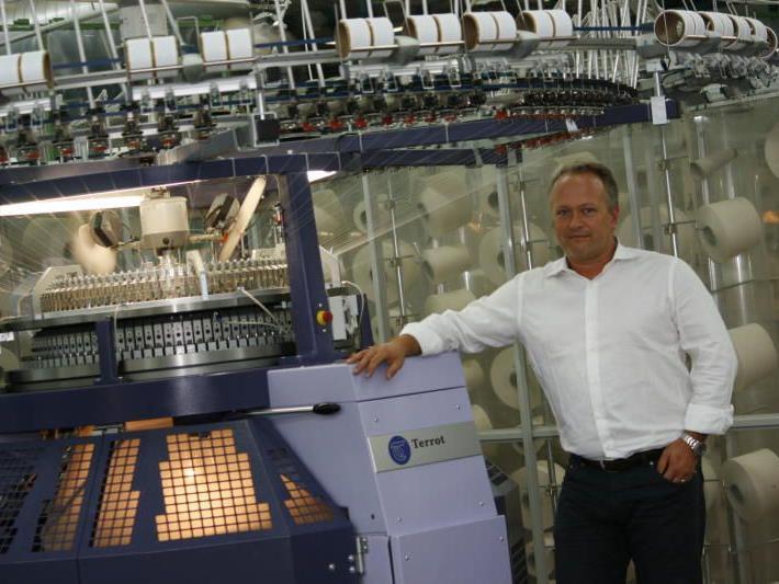 """""""Dieser strategische Schritt ermöglicht uns die Sicherung des Know-hows im Bereich Textilveredlung."""" (GF Jörg Büsel)"""