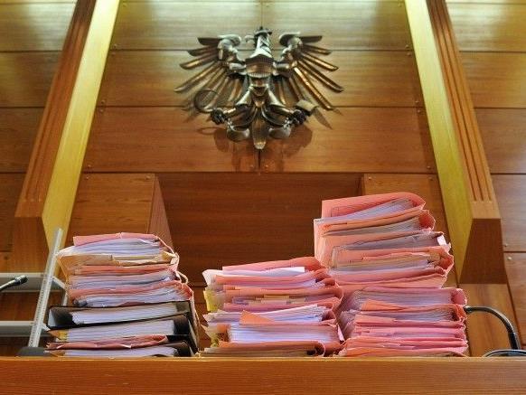 Der Fall wurde an das Landesgericht Innsbruck abgegeben.