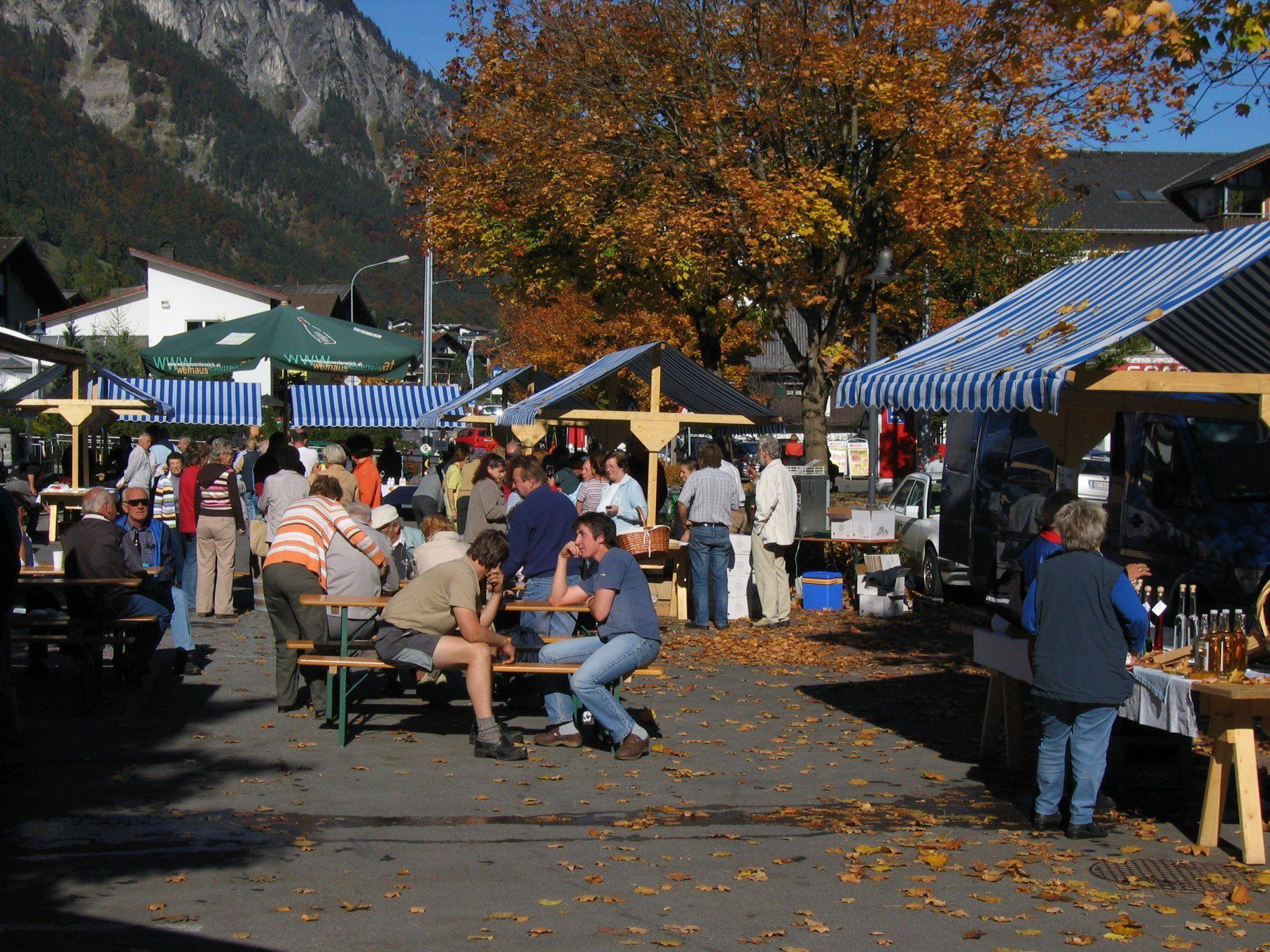 Kommen Sie und genießen Sie beim ersten Gmesmarkt in der Saison 2012.