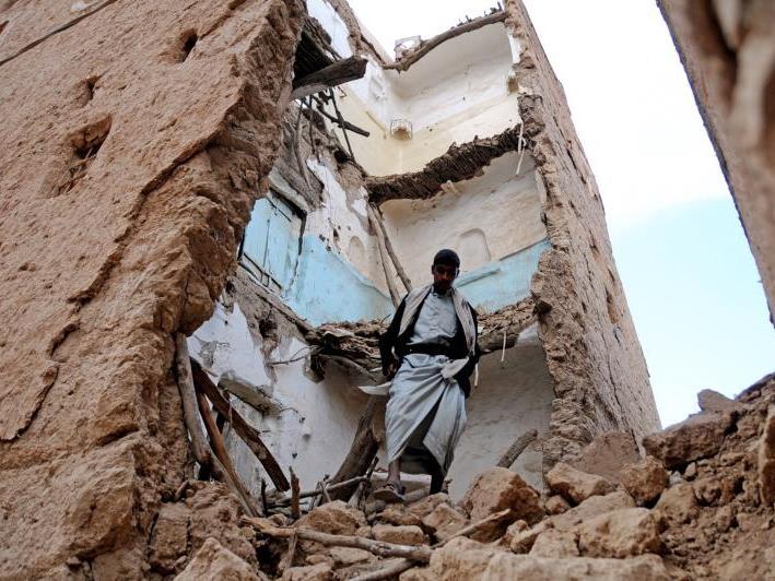 Selbstmordattentäter sprengte sich in Sanaa in die Luft.