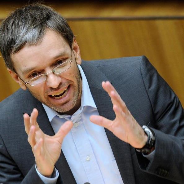 Kickl: Zu einer Systemumstellung dürfe es nicht schon mit 1. Juli 2012 kommen.