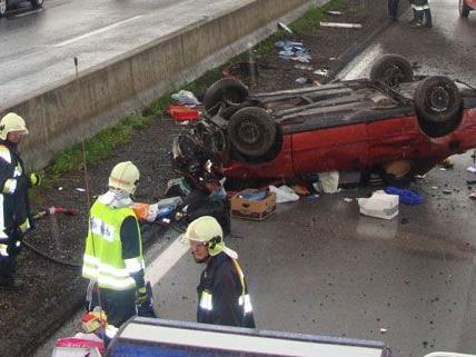 Zwei Personen wurden am Samstag bei dem schweren Verkehrsunfall auf der S6 verletzt.