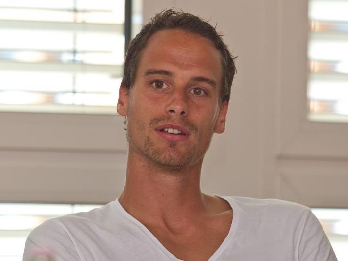 Für Pöllhuber, der aus der Salzburger Akademie stammt, ist es das erste Engagement in Österreichs Oberhaus.