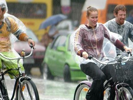 """Diese Radfahrer hätten es vielleicht nicht unbedingt in das Buch """"Cycle Chic"""" geschafft."""