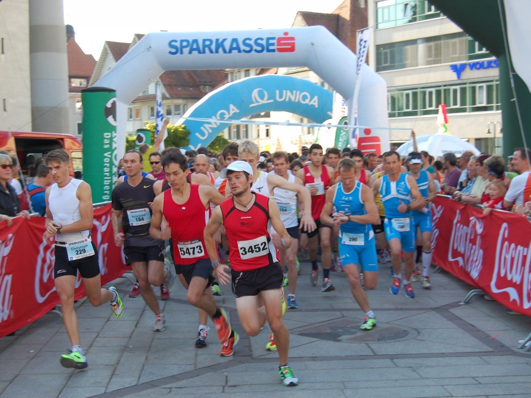 Startschuss des Hauptlaufes beim 16. Dornbirner Sparkasse Stadtlauf