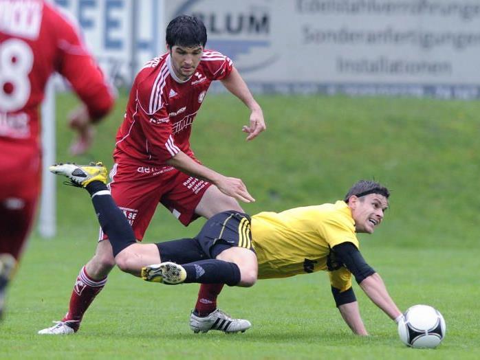 FC Höchst verliert das Topspiel und die Tabellenführung gegen Andelsbuch.
