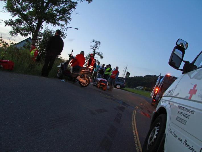 In Lochau sind am Donnerstagabend zwei Mopeds miteinander kollidiert.
