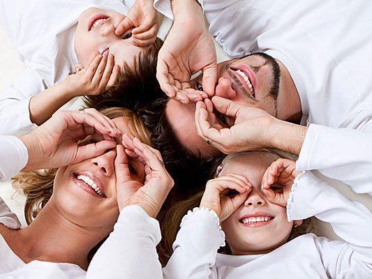 Laut Lachforschern bringen es Erwachsene auf durchschnittlich 15 Lacher täglich – bei Kindern sind es etwa 400.