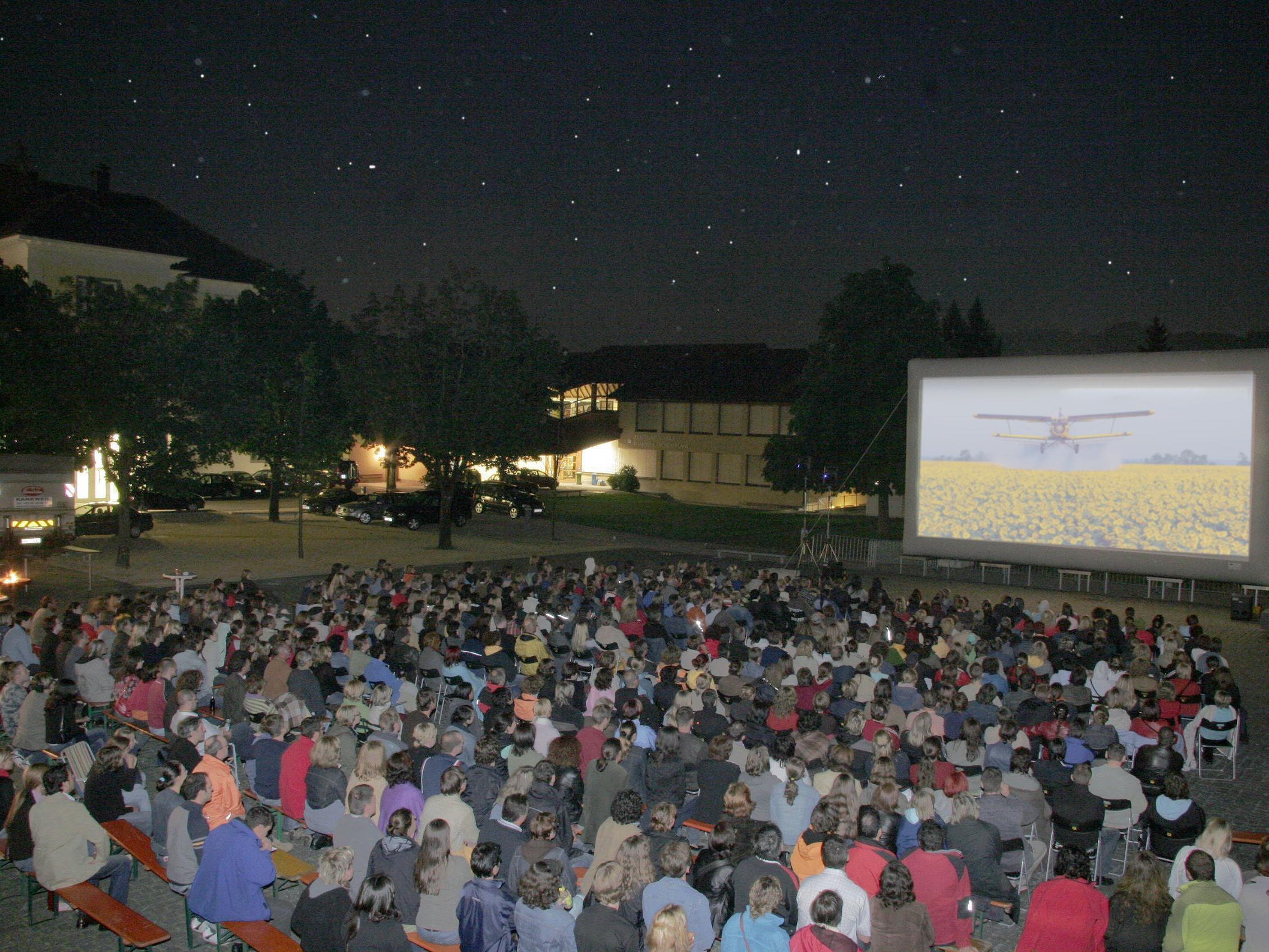 """Das Open-Air-Kino """"Filme unter Sternen"""" ist seit vielen Jahren eines der Highlights beim Rankweiler Sommer"""