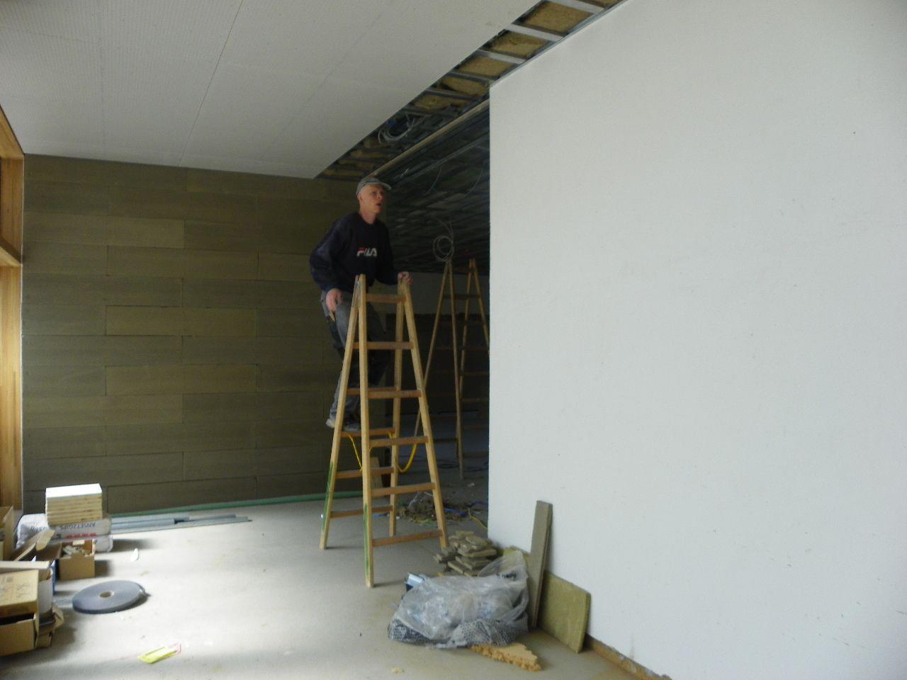 Schallabsorbierende Deckenkonstruktion