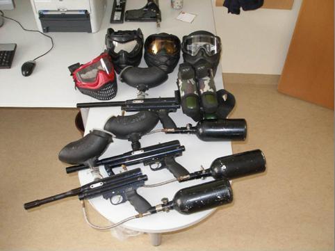 Auch diese Gaspistolen wurden sichergestellt