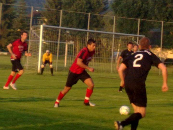 Eintracht Forach (in schwarz) und Wieden (in rot) trennten sich 4:4.