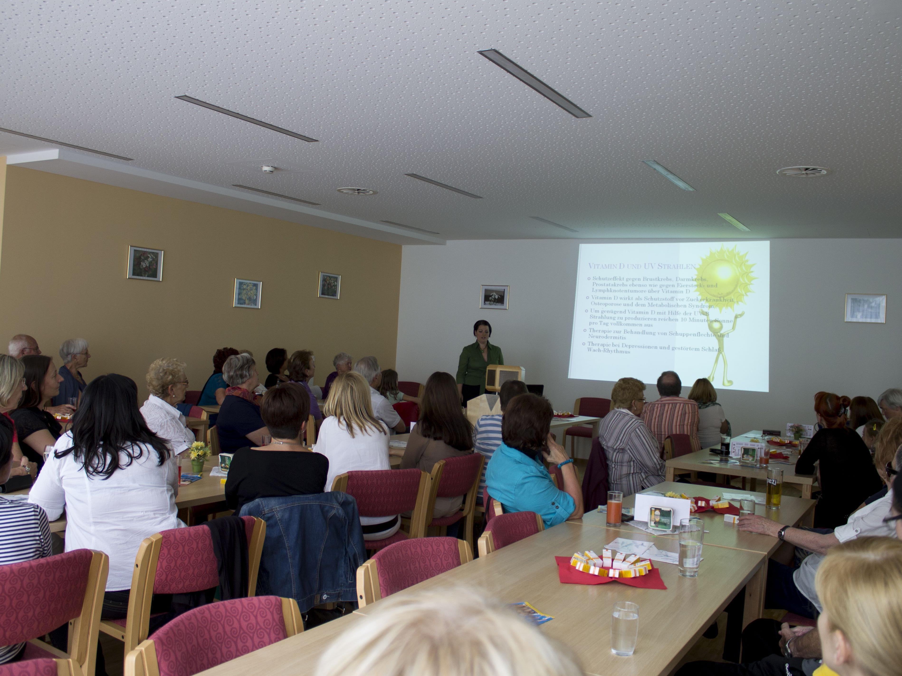 Dr. Katja Barlas referierte über den richtigen Umgang mit der Sonne.