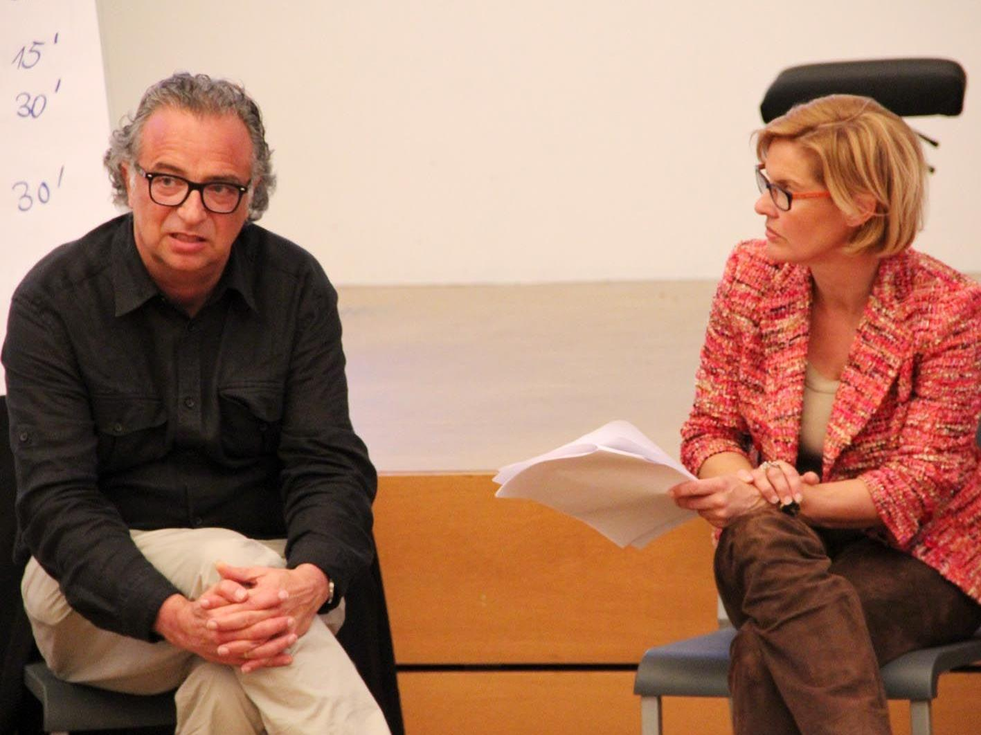 """DI Wolfgang Ritsch und Mag. Karin Metzler informierten über das Projekt  """"Vision Hohenems""""."""