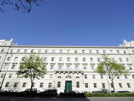 Prozess gegen eine Mutter im Straflandesgericht Wien: Tochter wurde angeblich zum Sex mit fremden Mann gezwungen