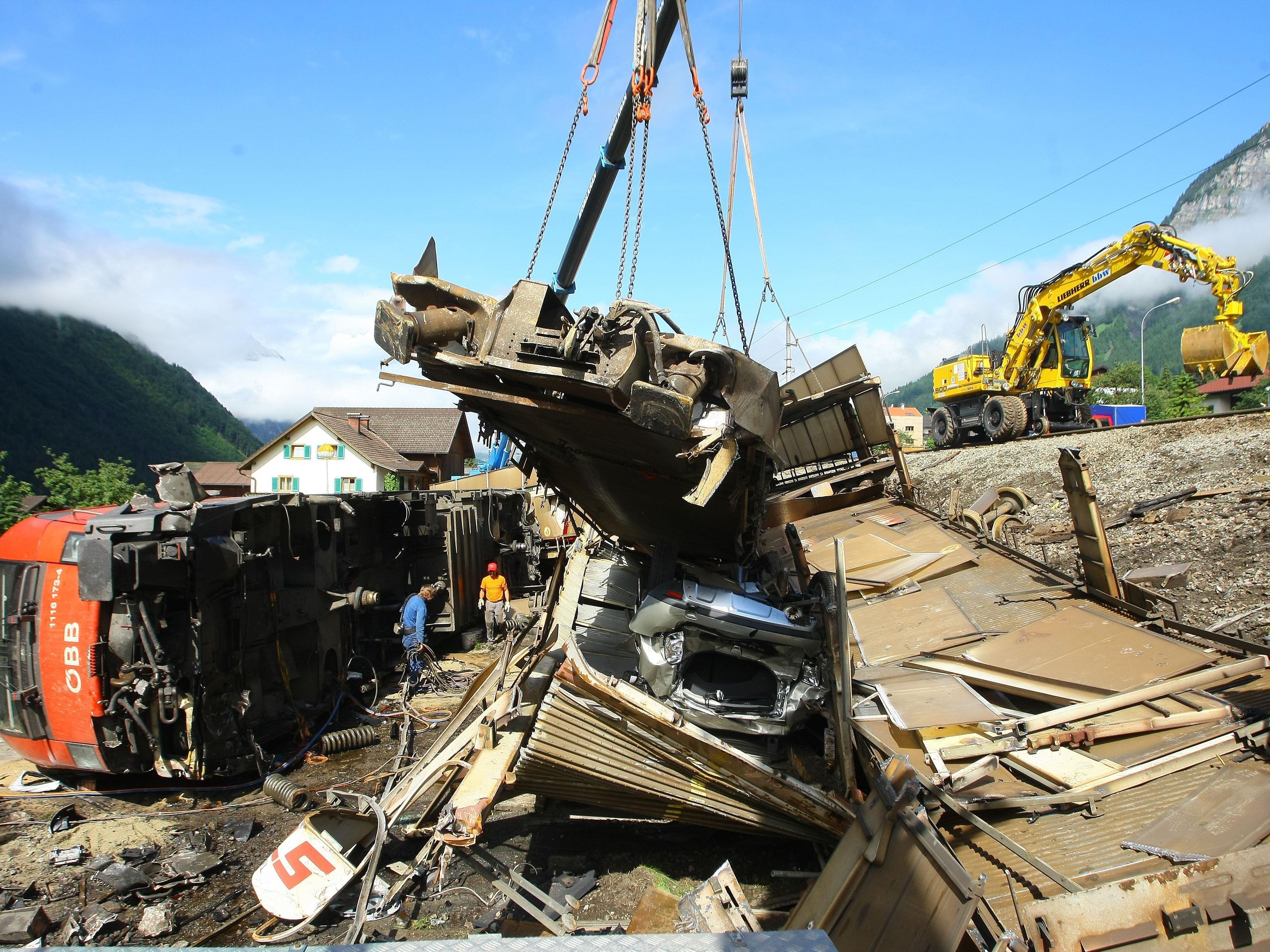 Der Güterzug entgleiste am 16. Juni 2010 in Braz.