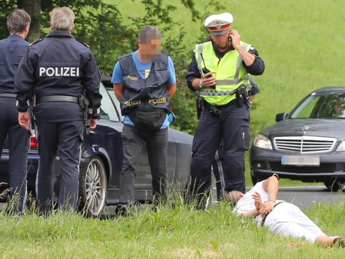 Der Fahrer des Fluchtwagens konnte bereits kurz nach der Tat gestellt werden.