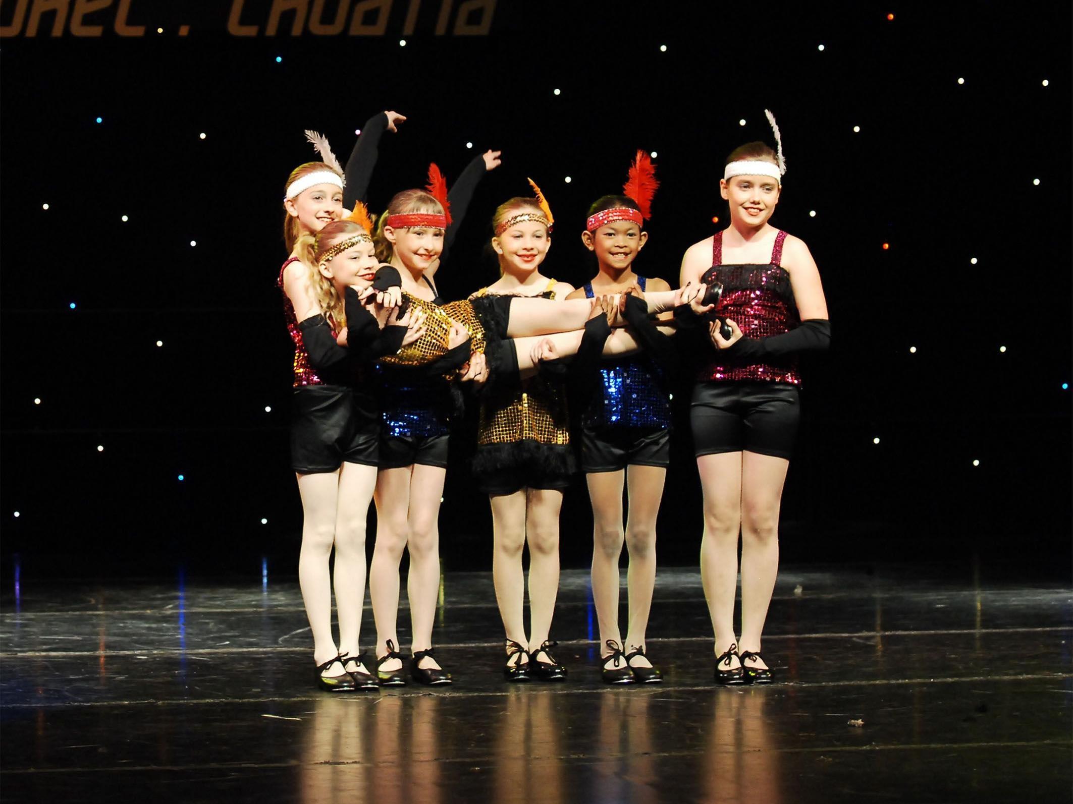 """390 Tänzer und Tänzerinnen der Dance Art School wirken bei """"Musical and Gala"""" mit."""