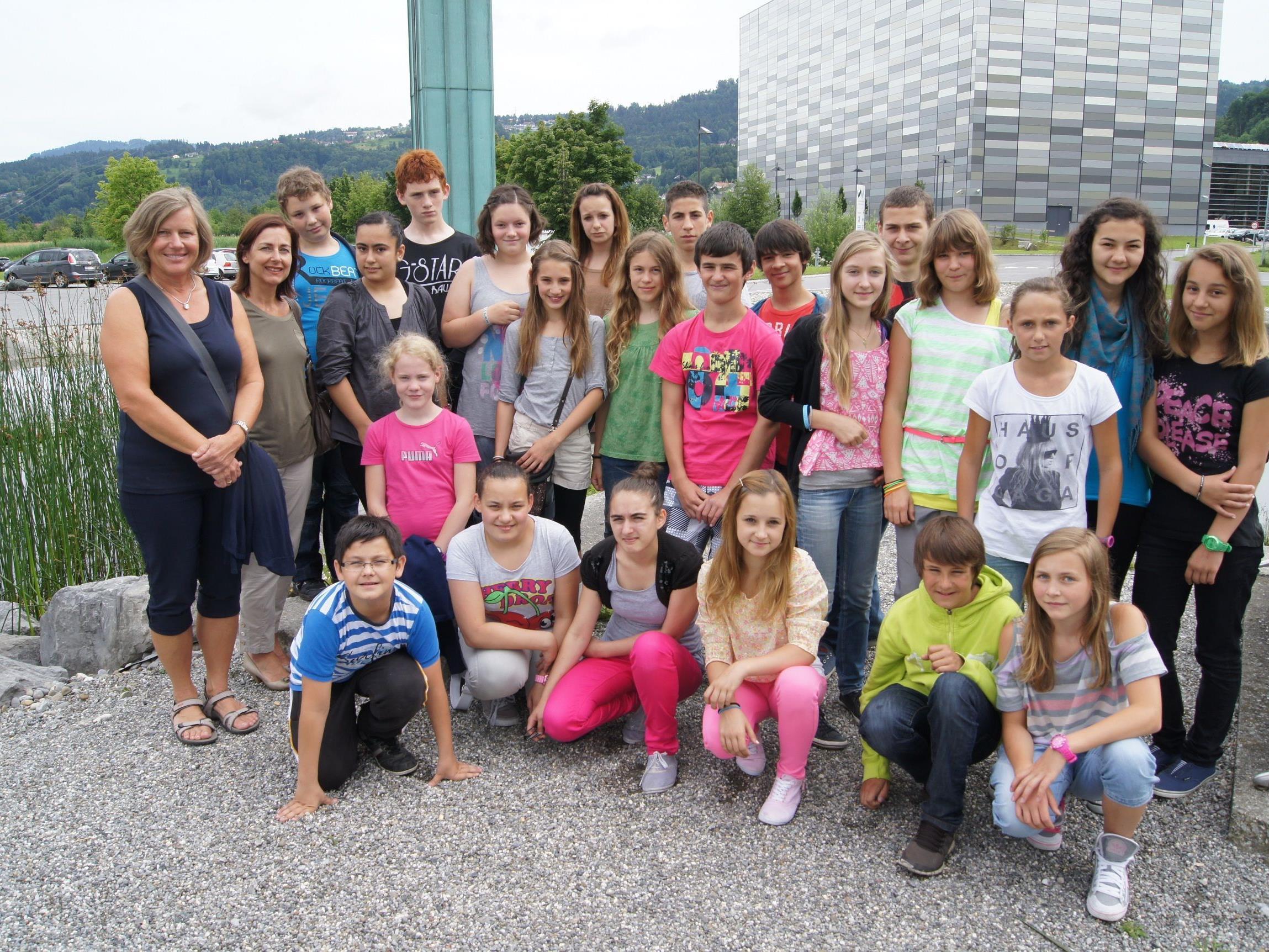 Schüler der MS Lustenau beim Besuch im VMH.