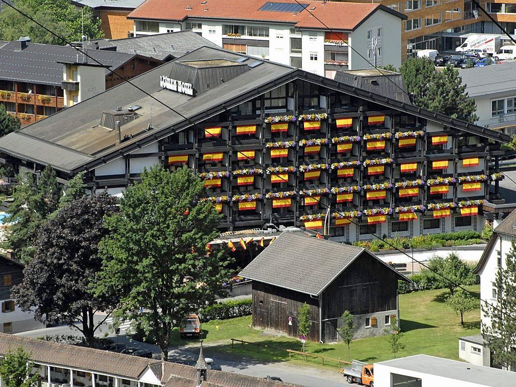 Das Schrunser Löwenhotel 2010 während des Trainingslagers der spanischen Fußball-Nationalmannschaft