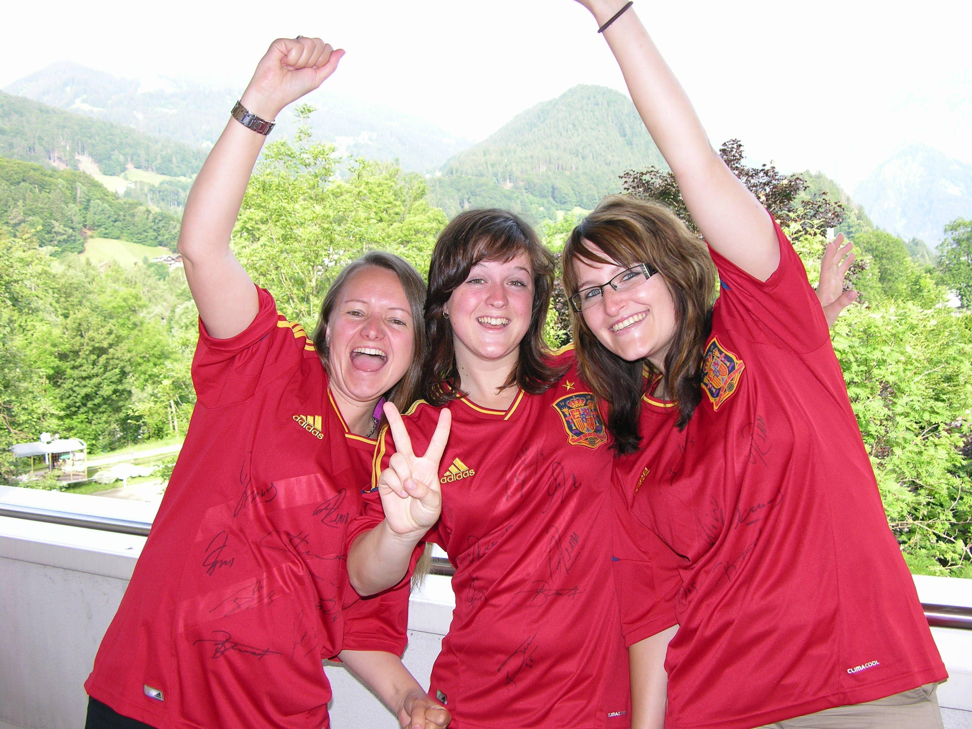 Mach mit und gewinne dein signiertes Spanien-Dress!