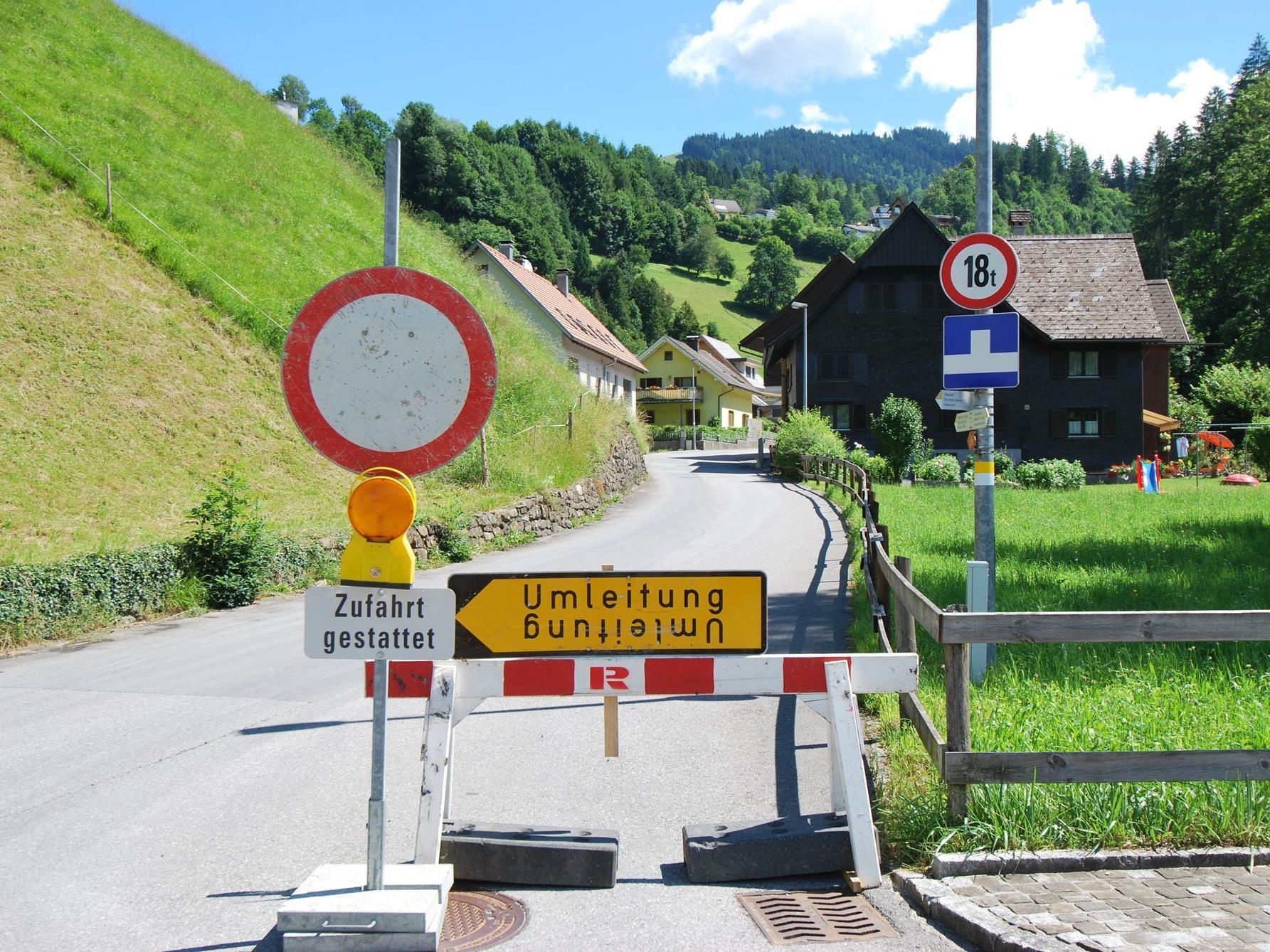 Hinweis auf die Baustelle in Richtung Eschenau