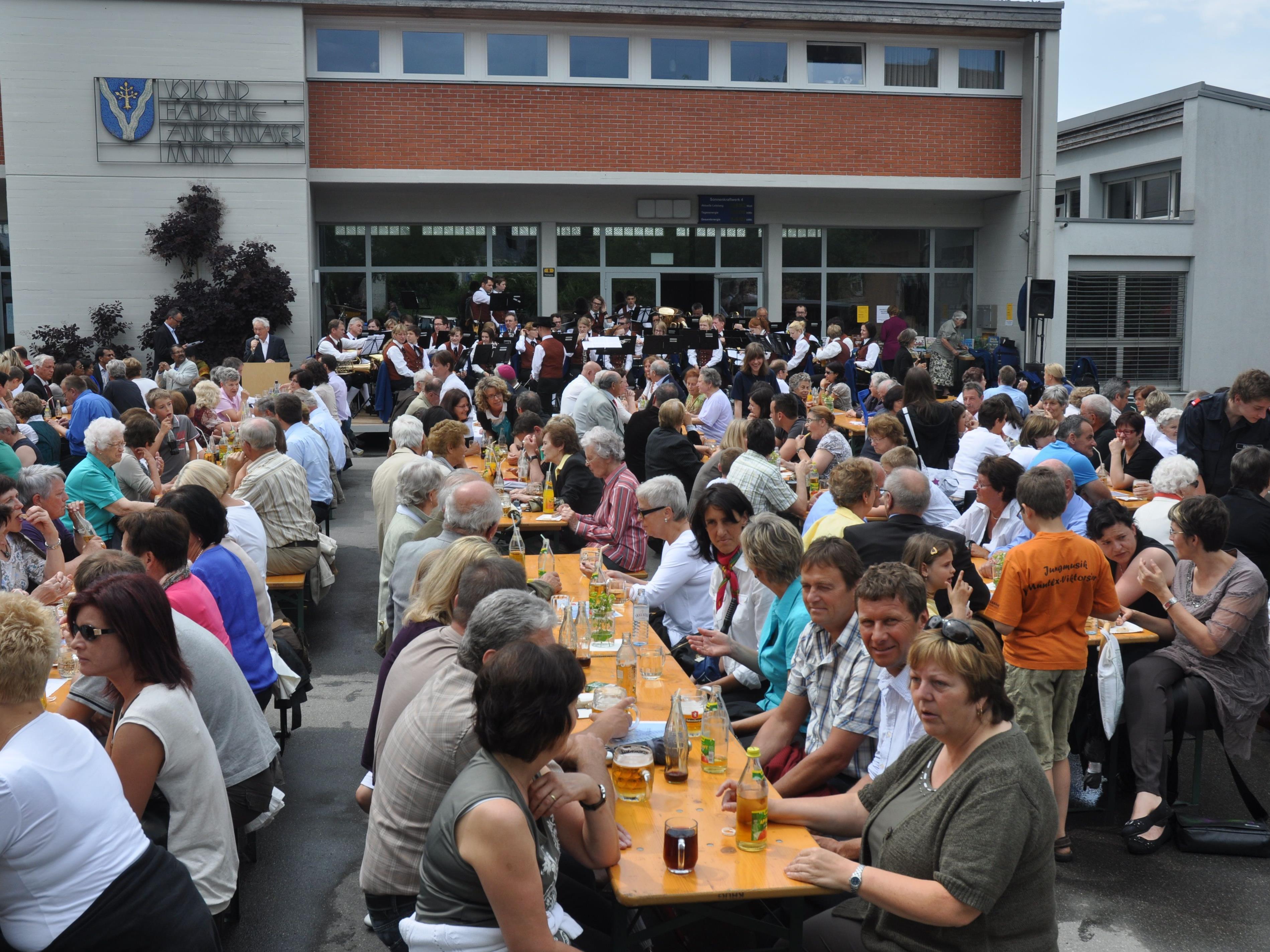 Ganz Zwischenwasser feierte 50 Kirchweih Muntlix.