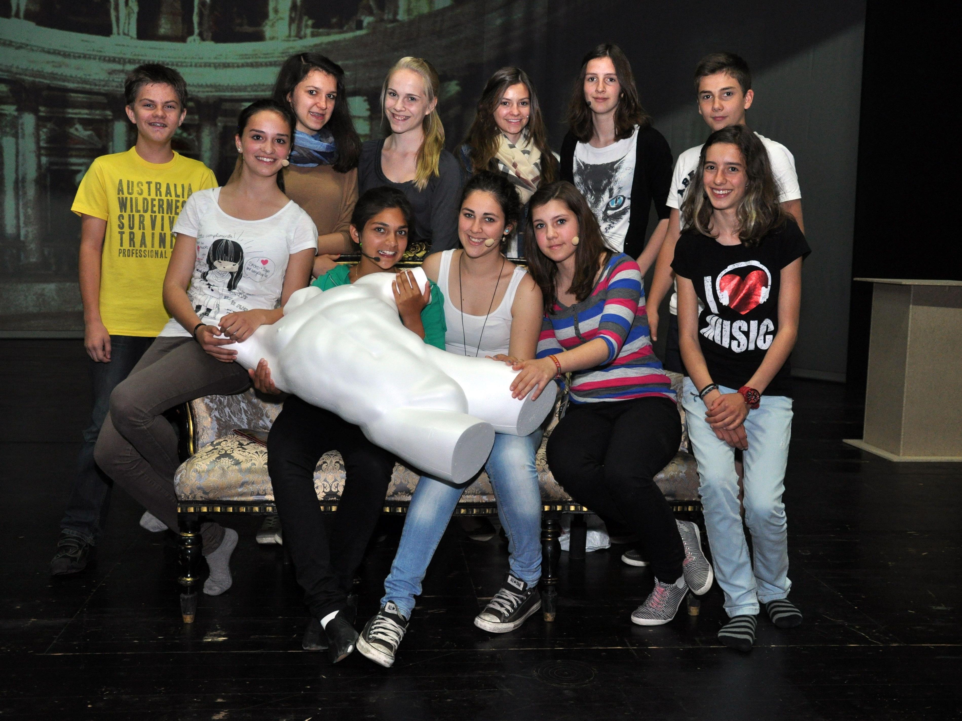 """Seit Wochen proben die Musikmittelschüler an der neuen Musical-Produktion """"La piccola banda""""."""