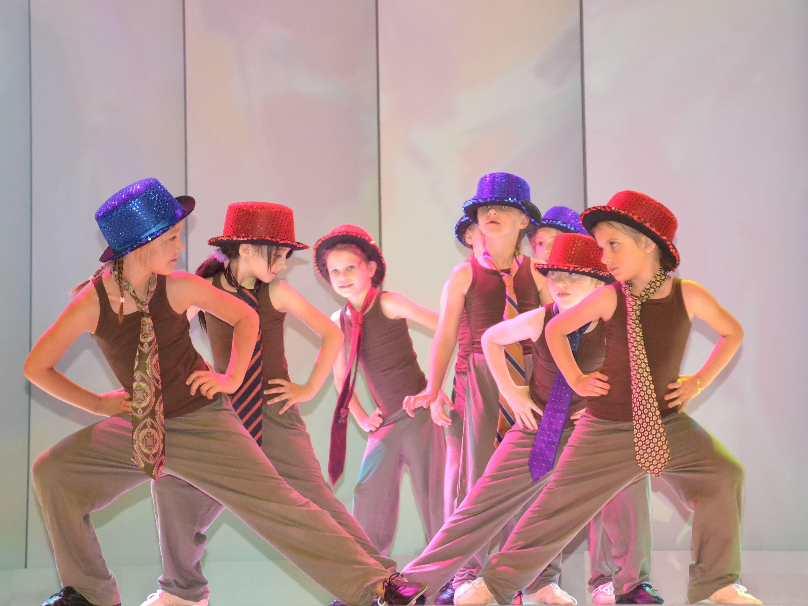 Die jüngsten Mitglieder der Bühnentanzschule zeigten mit vollem Einsatz, was sie alles gelernt haben