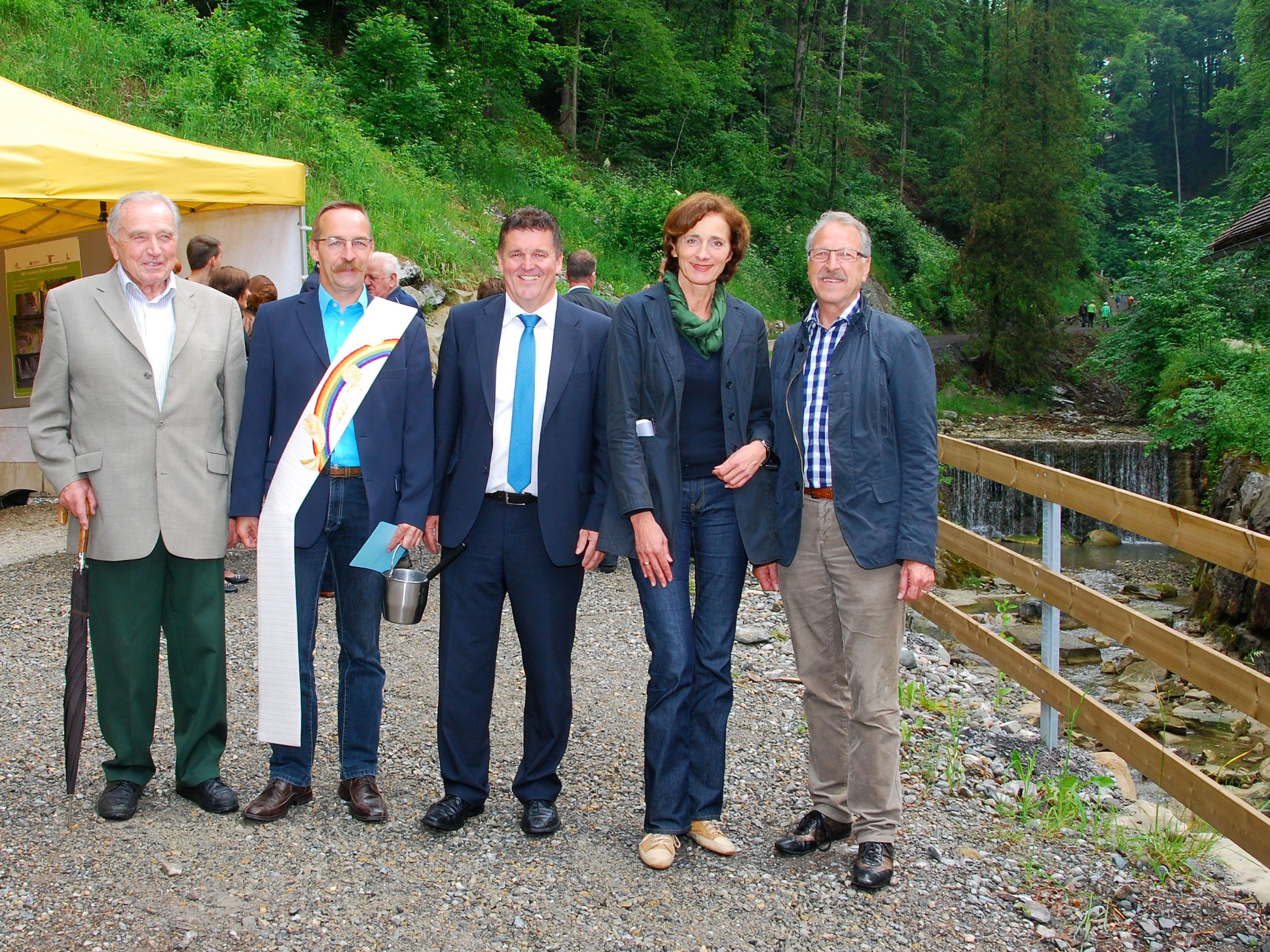 Eröffnung Geschiebesperre mit Hubert Waibel, Diakon Lang, LTP Mennel, Erwin Mohr.