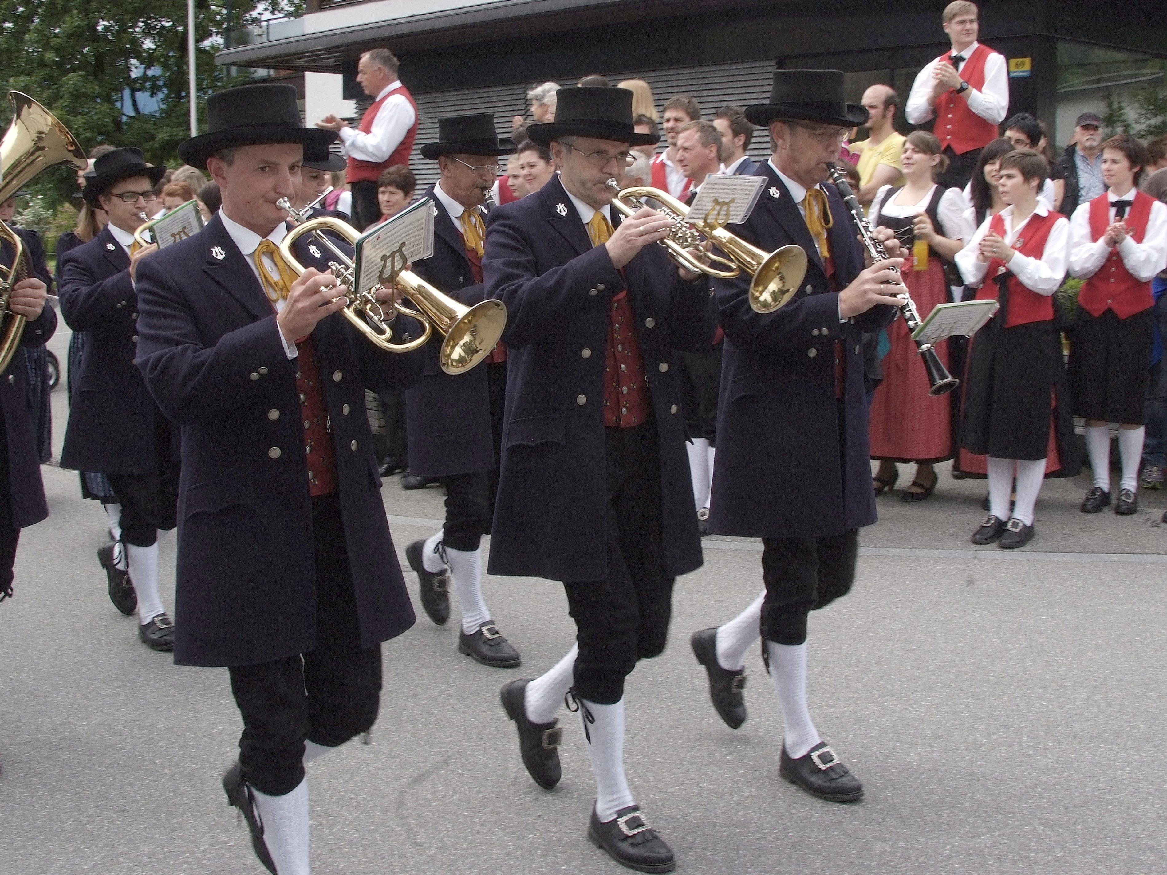 Die Blaskapellen des Bezirkes Bludenz haben in Ludesch groß aufgespielt.