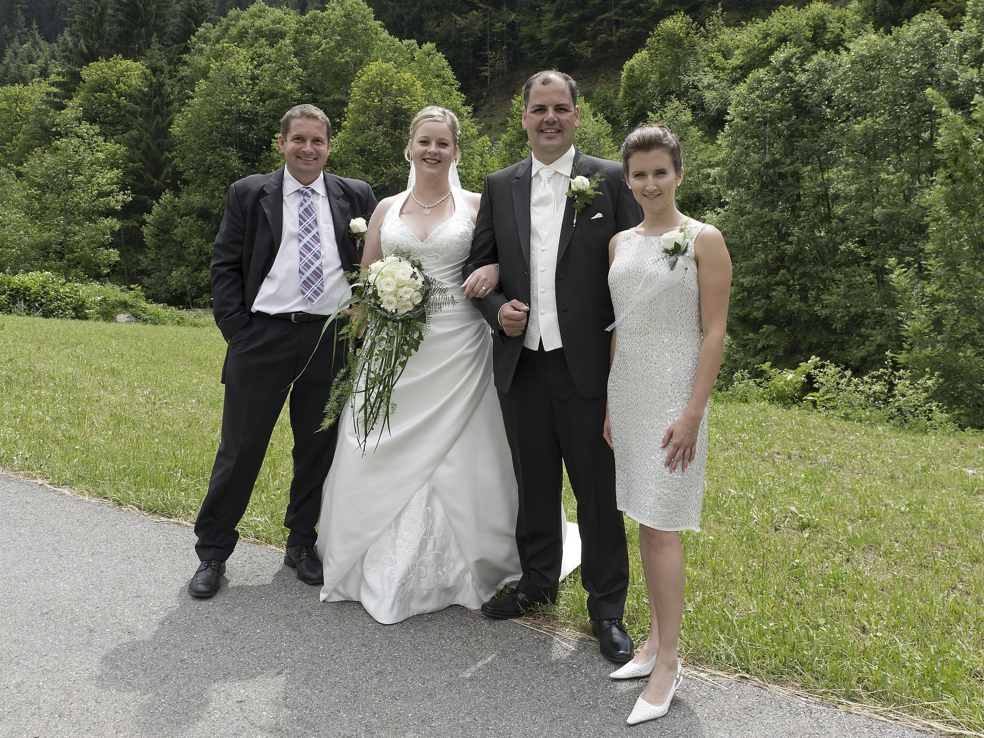 Melanie Themel und Markus Durig mit den Trauzeugen Sabine Burger und Thomas Ringer.