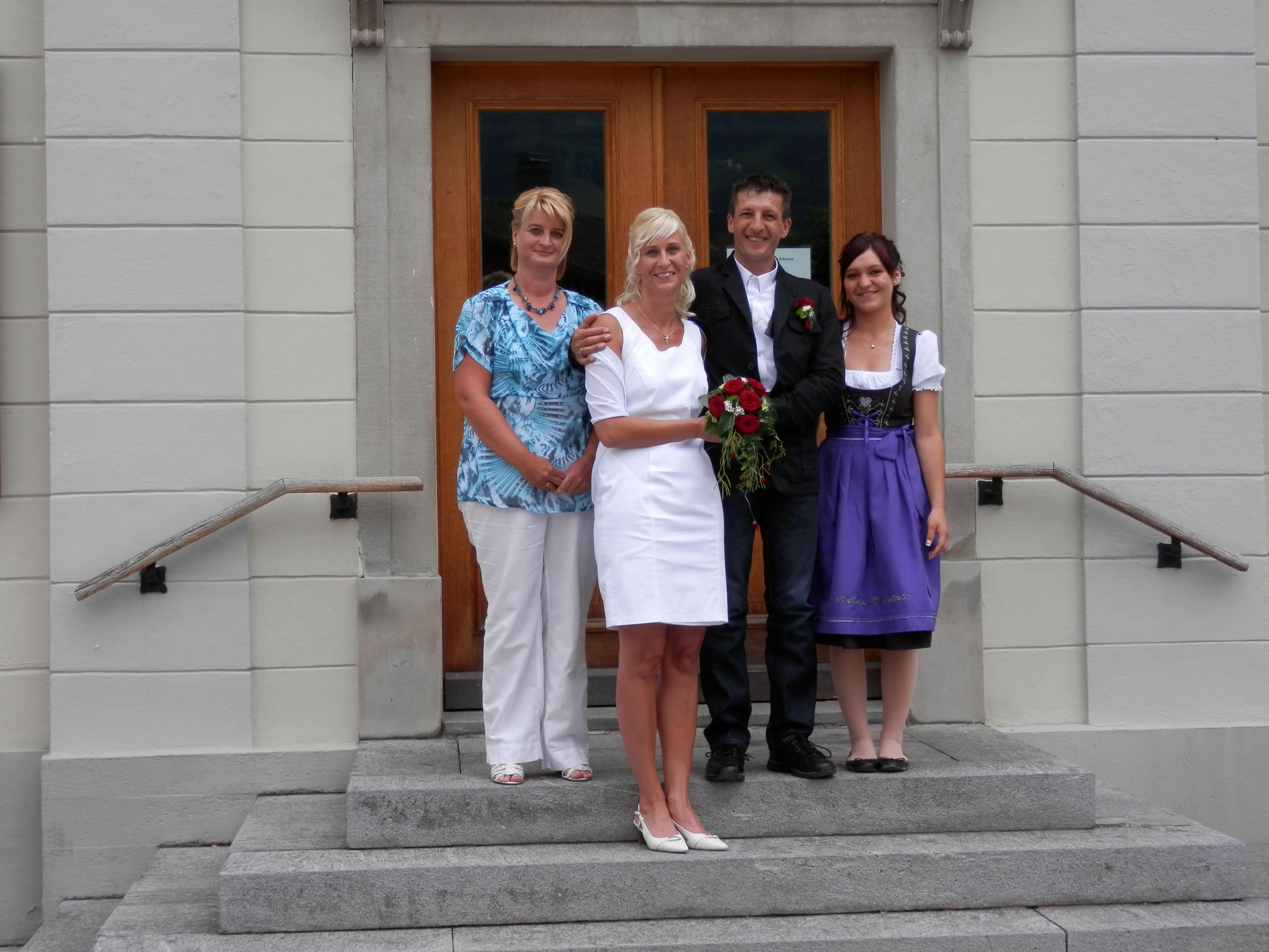 Elke Einsiedler und Martin Fitsch präsentierten sich am 22.6. als frisch gebackenes Ehepaar.